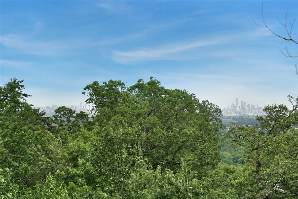 exquisite home in Eagle Rock Reservation luxury properties