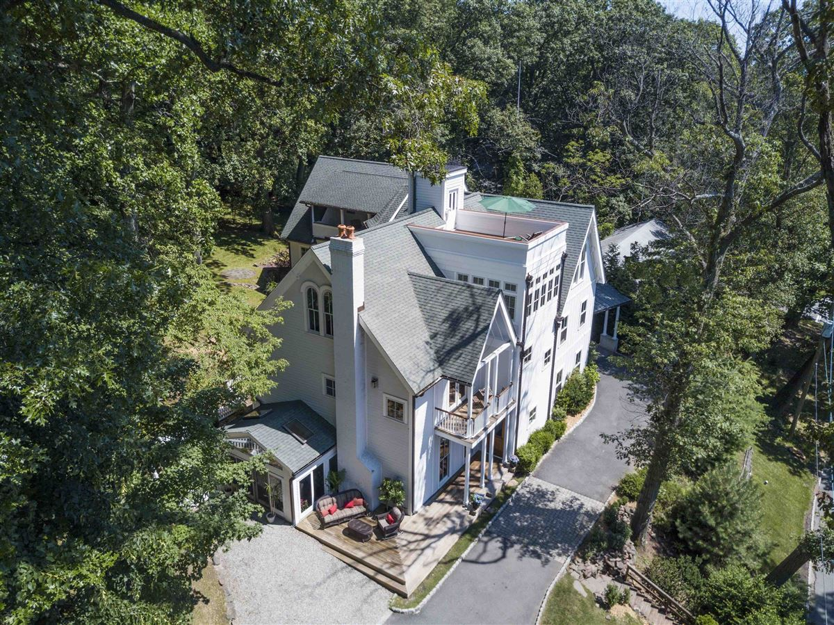 Mansions exquisite home in Eagle Rock Reservation
