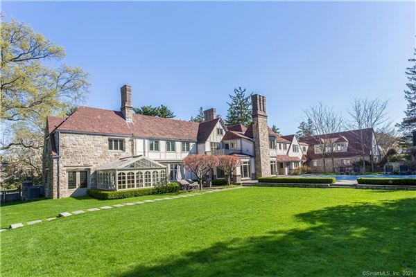 Luxury real estate Exceptional Belle Haven peninsula stone English Manor style
