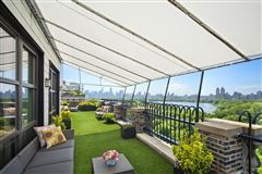 Luxury homes PENTHOUSE DUPLEX WITH EPIC VIEWS