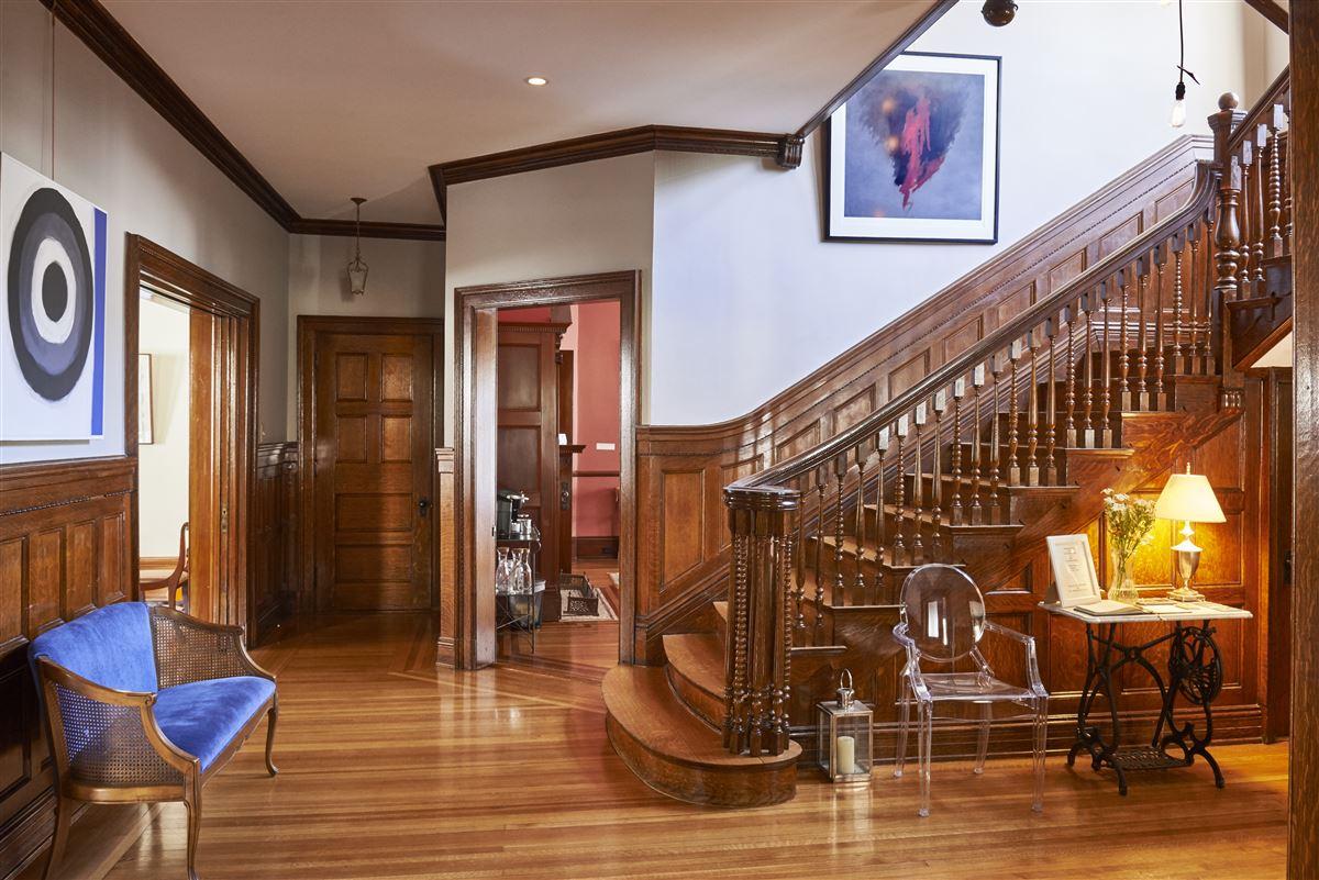 Luxury homes Stunning mansion