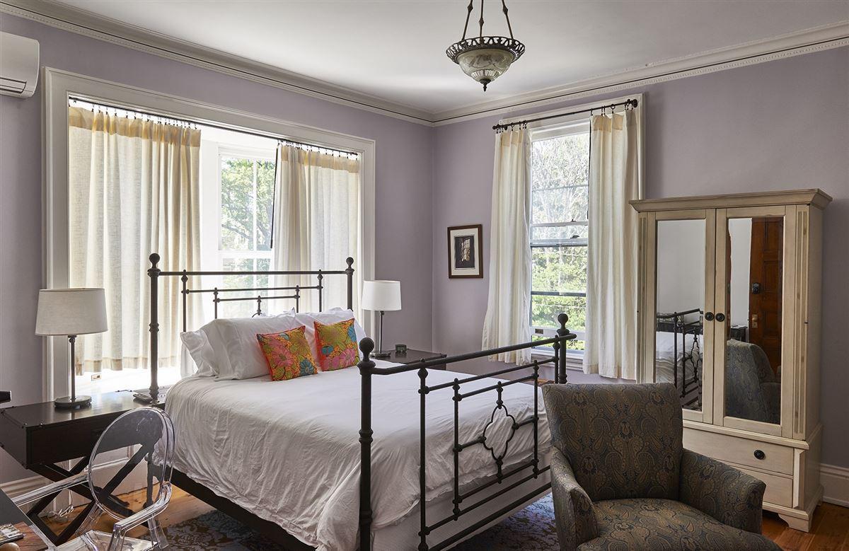 Luxury real estate Stunning mansion