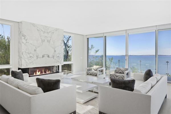 Luxury properties Ultra-Modern Home on Noyack Bay