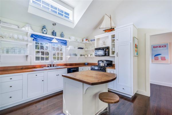completely renovated Beach Cottage luxury homes