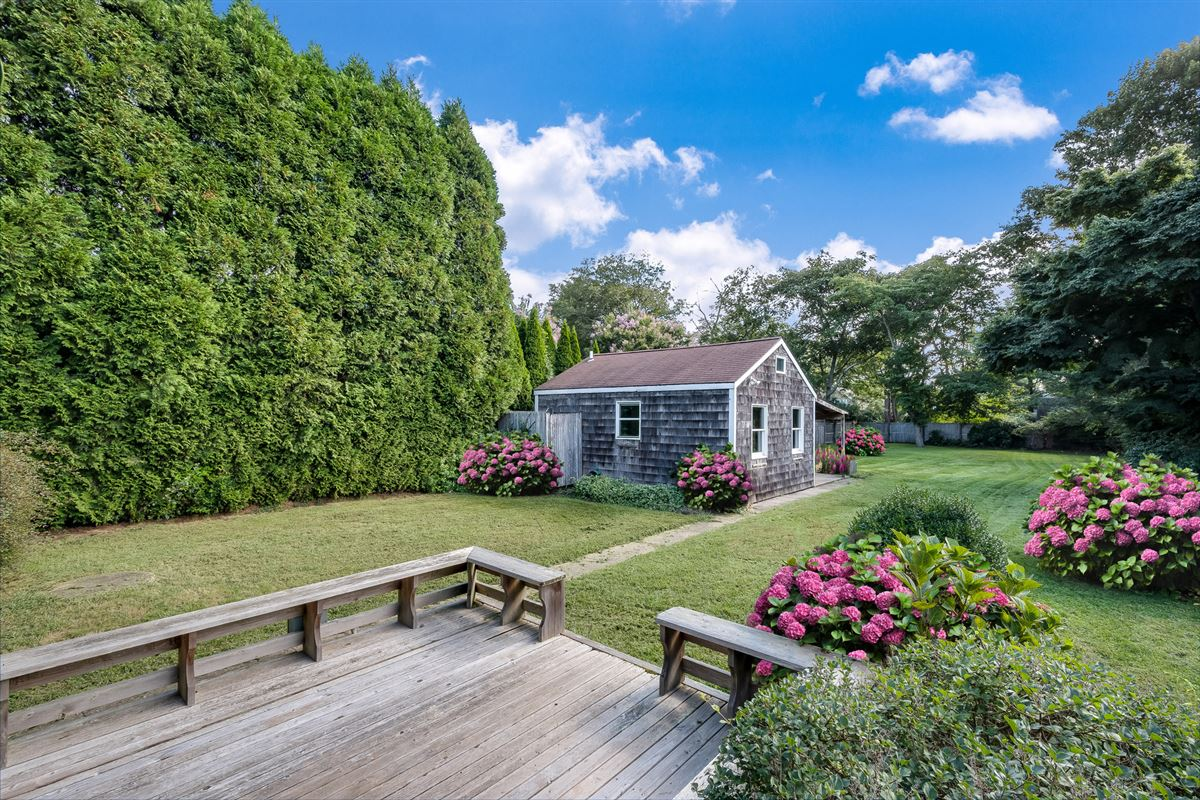 Luxury properties rare home with guest cottage