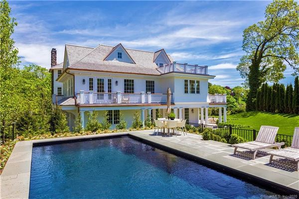 Luxury properties new Belle Haven Association estate