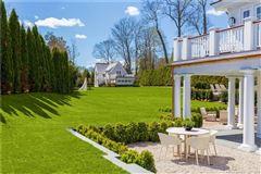 Luxury properties new Belle Haven Association estate