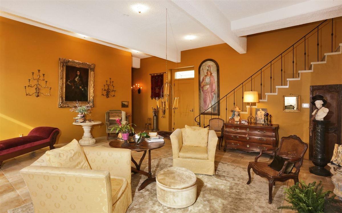 magnificent condominium in historic Dicks Castle luxury homes