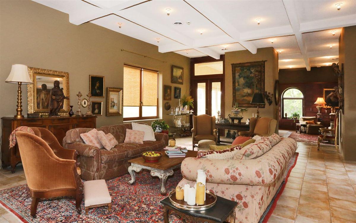 Luxury real estate magnificent condominium in historic Dicks Castle