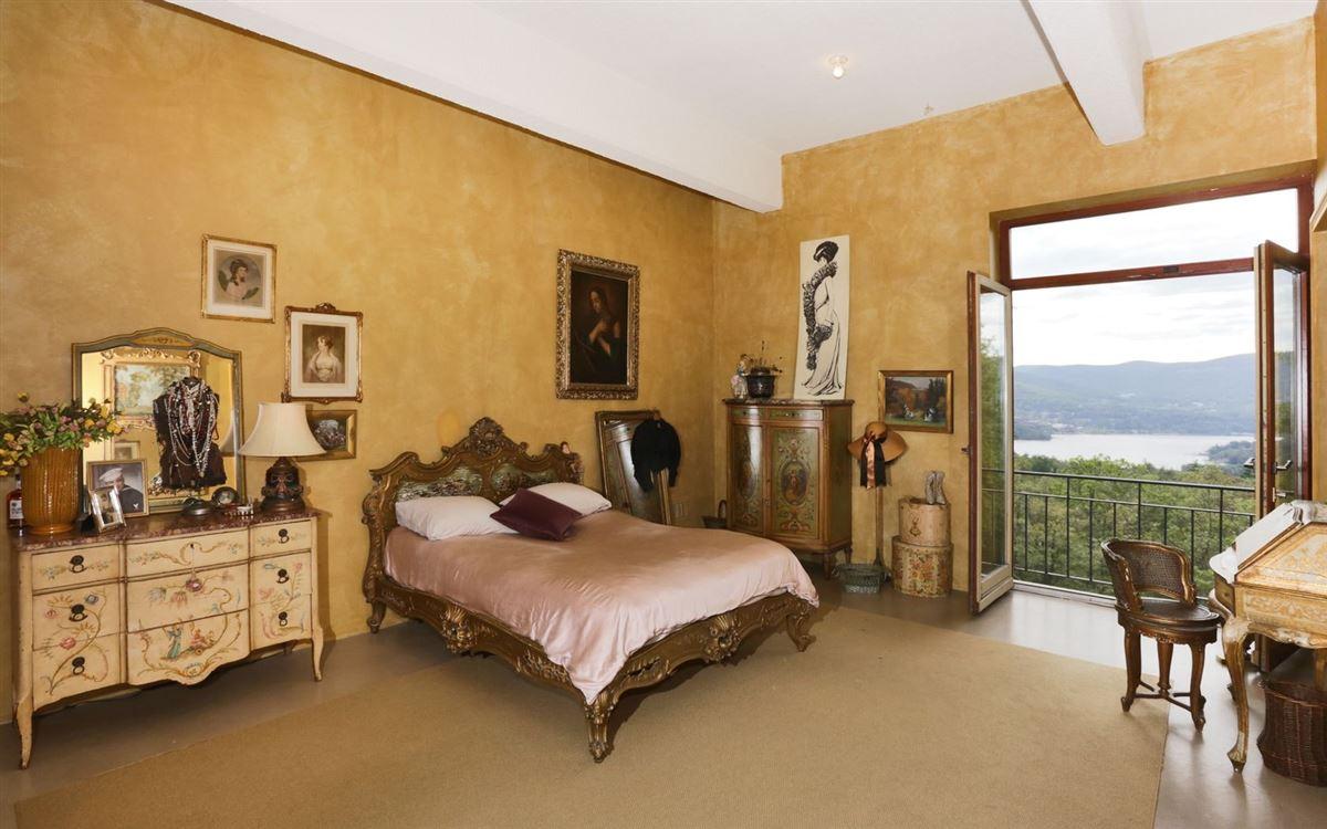 Luxury homes in magnificent condominium in historic Dicks Castle