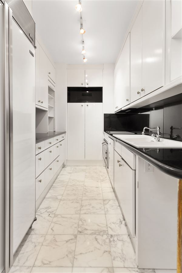 two bedroom apartment in the upper east side luxury homes
