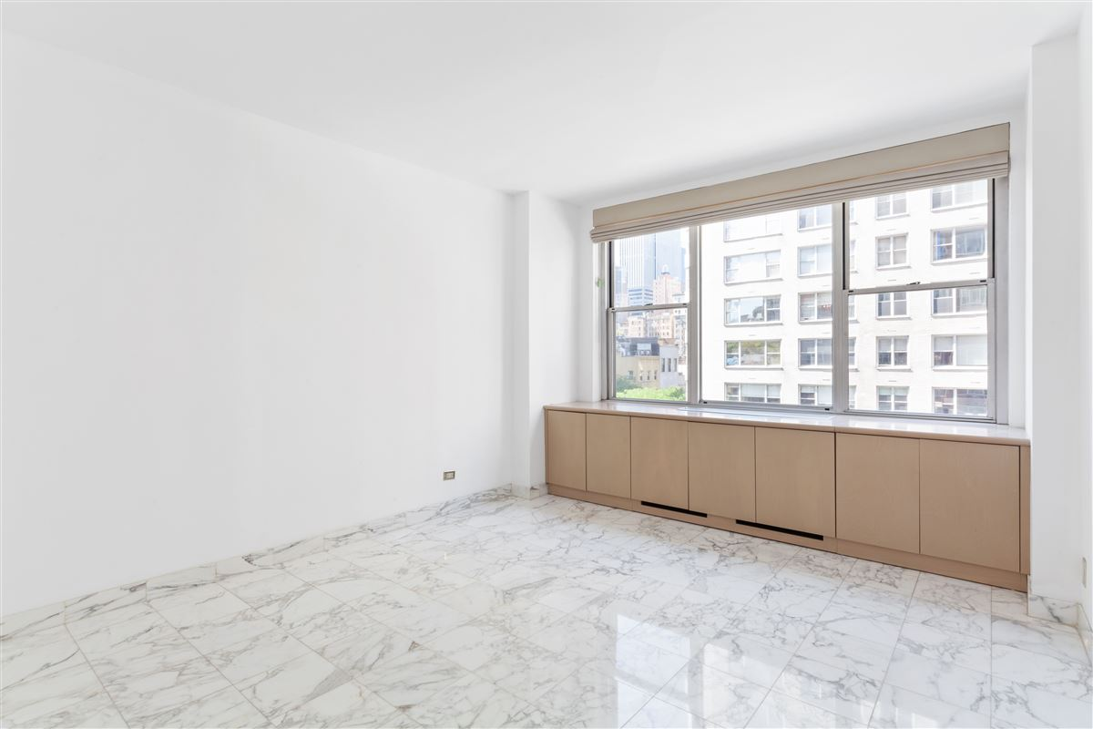 Luxury properties two bedroom apartment in the upper east side