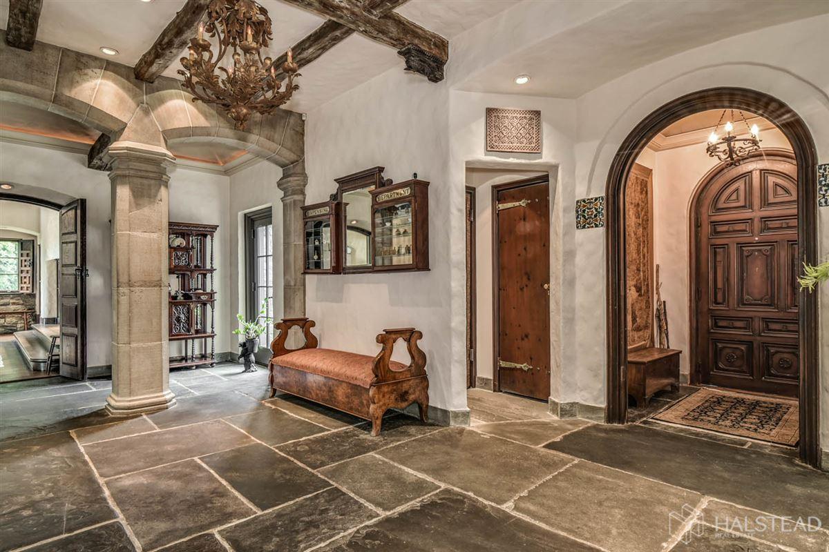Luxury homes majestic restored hillside Villa in darien