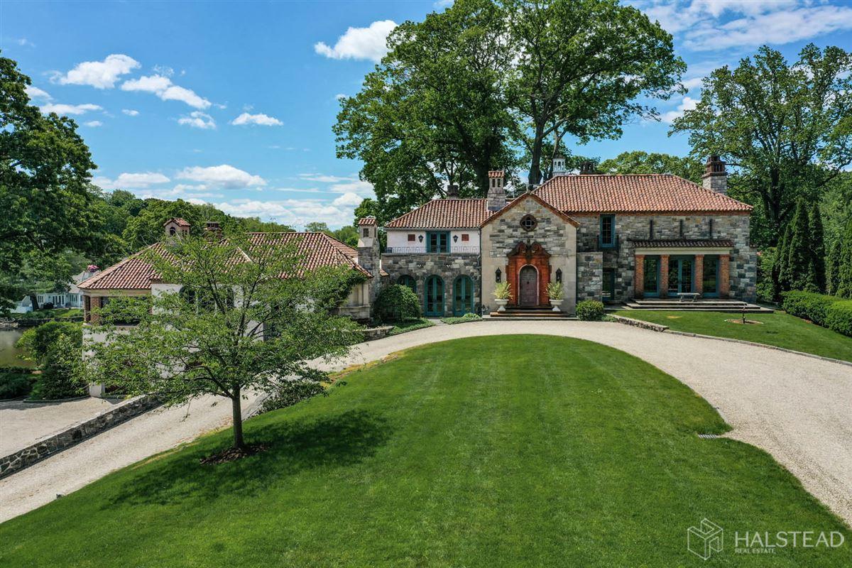 majestic restored hillside Villa in darien mansions