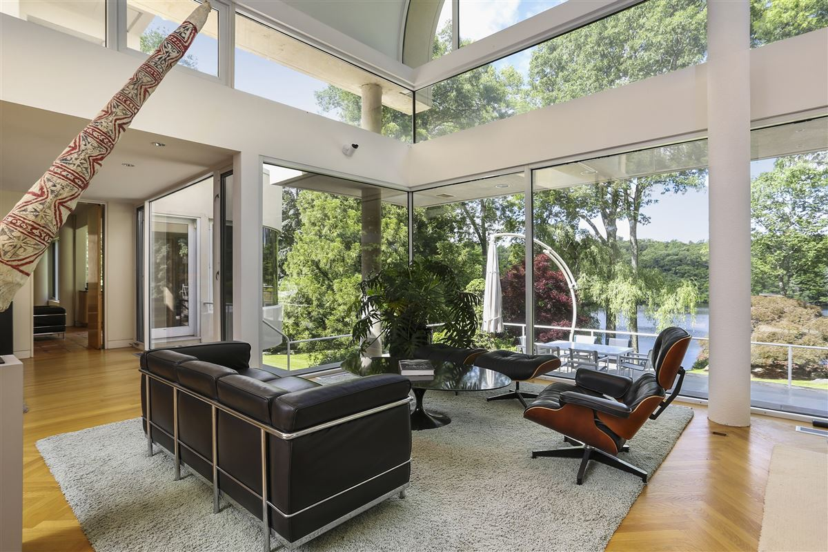 A contemporary work of art mansions