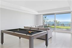 Ultra-modern home in East Hampton luxury properties