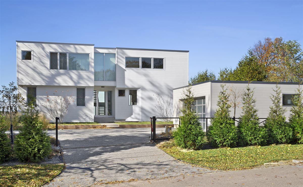 Luxury homes Ultra-modern home in East Hampton