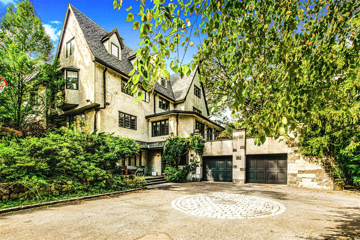 Luxury real estate beautiful home in exclusive Fieldston