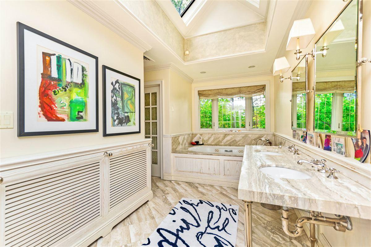 Luxury properties beautiful home in exclusive Fieldston