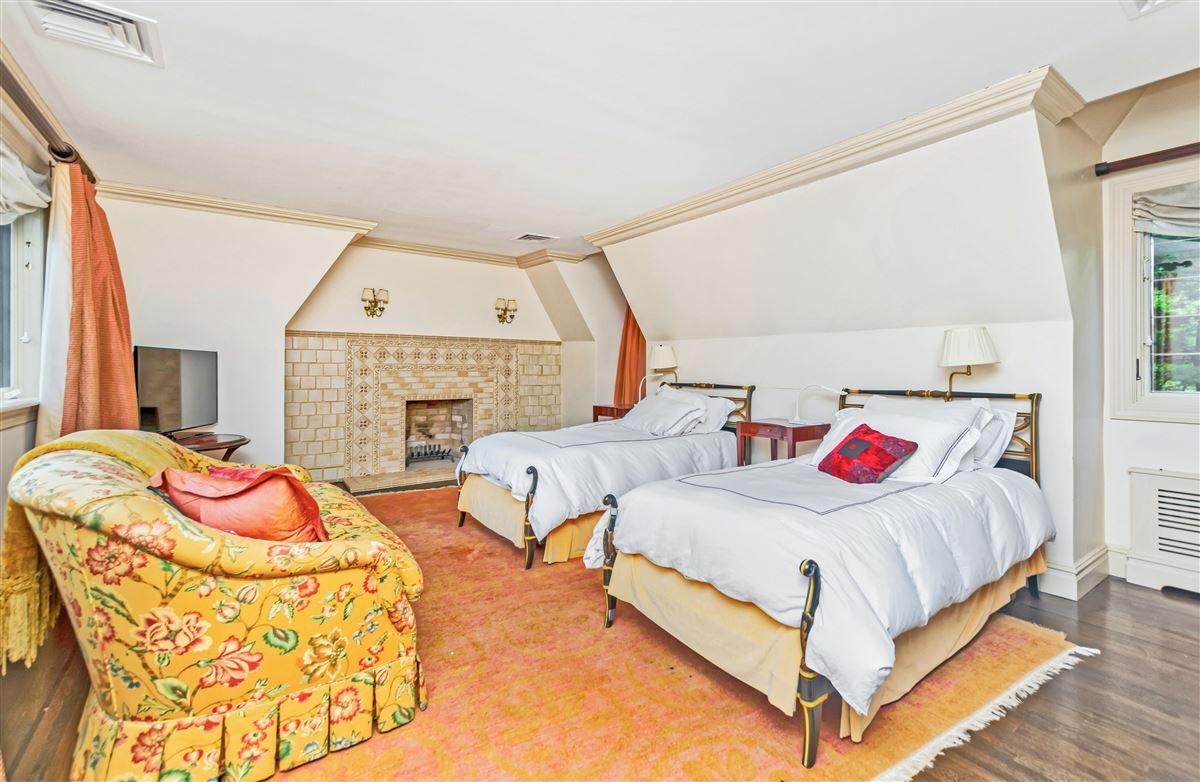 beautiful home in exclusive Fieldston luxury properties