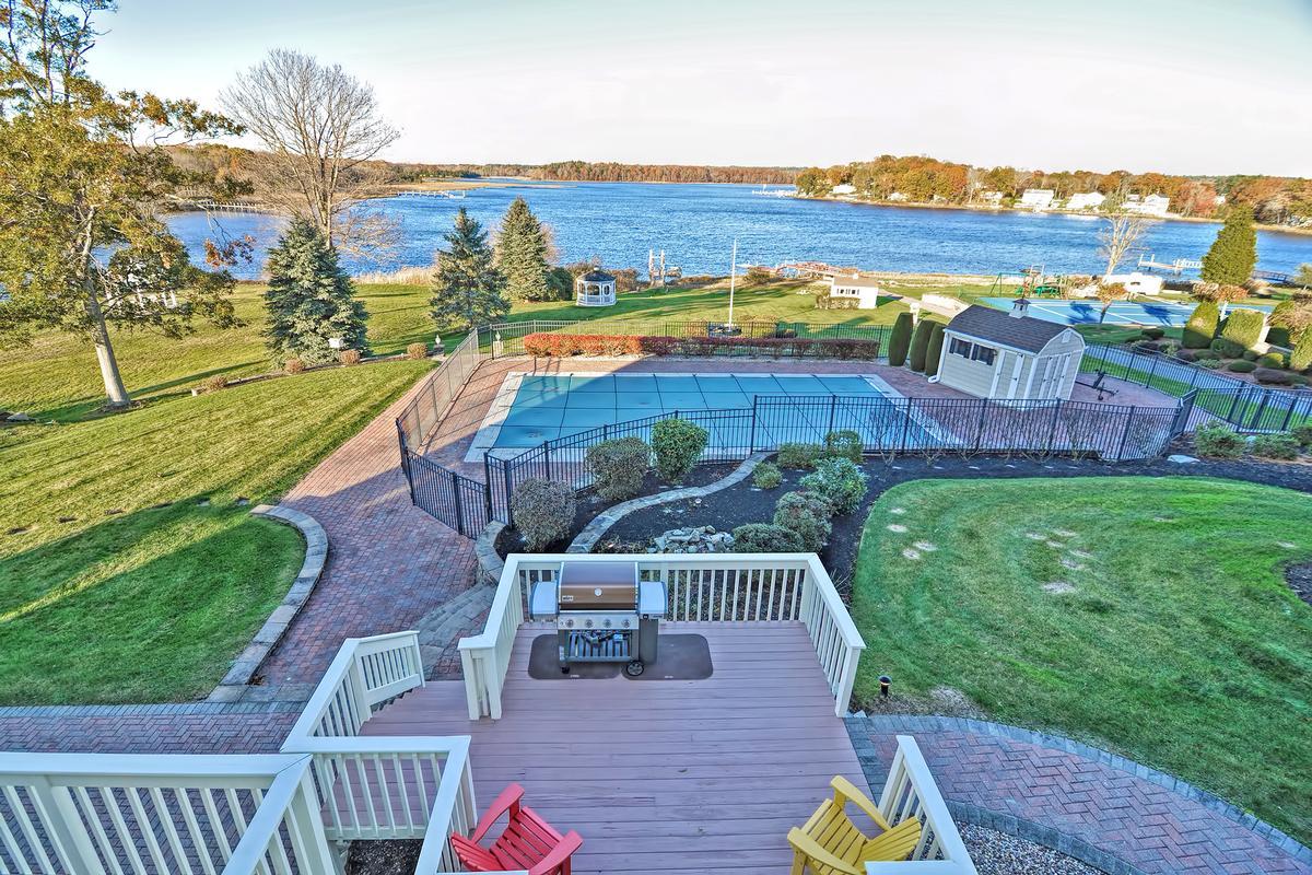 Luxury properties Shepherds Cove Estates