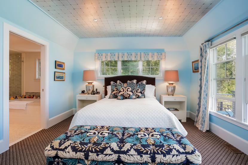 Direct waterfront in Marion luxury properties