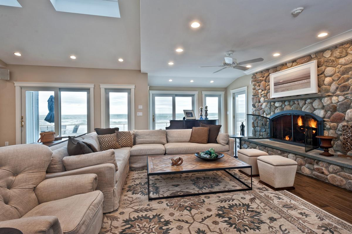 Luxury homes Welcome to oceanfront living