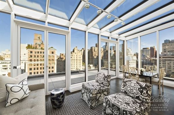 Prewar Penthouse Condominium in new york luxury properties
