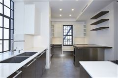 renovated mint condition apartment luxury properties
