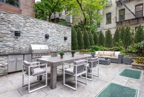 Mansions newly renovated five-story West Village townhouse