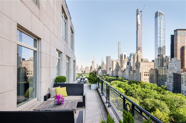 Luxury real estate Rare Corner Penthouse at 15 CPW