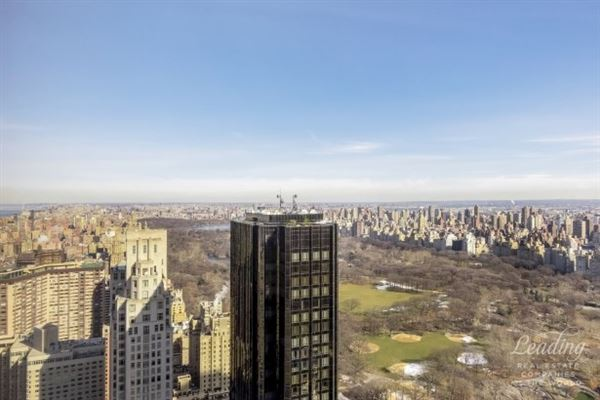 Luxury homes in incredible duplex at the Time Warner Condominium