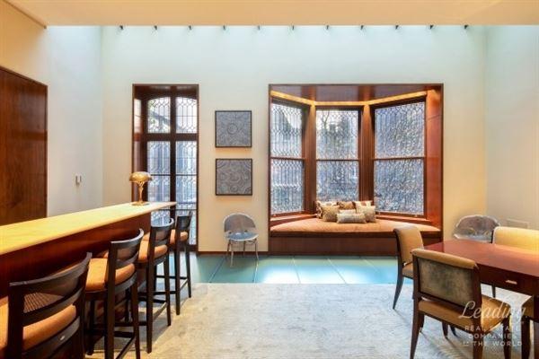 Luxury homes in Milbank House