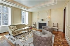 Mansions impeccable, grand residence in new york