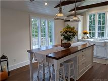 Mansions Charming and recently updated farmhouse