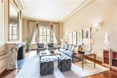 Luxury properties  A Grand Home in the Carlyle House