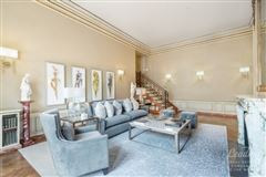 A Grand Home in the Carlyle House luxury properties