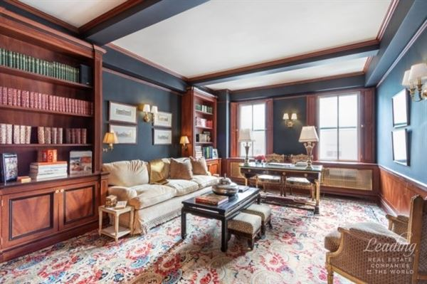 Luxury homes  A Grand Home in the Carlyle House