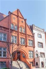 Luxury homes in striking five-story Manhattan townhouse