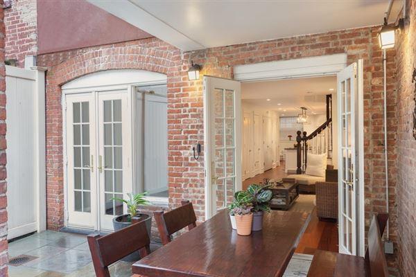Luxury homes striking five-story Manhattan townhouse