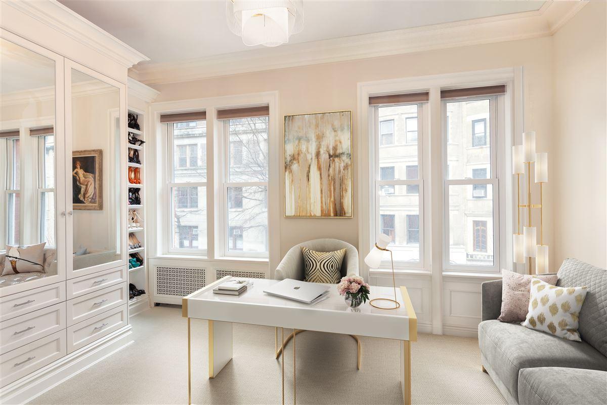 striking five-story Manhattan townhouse luxury real estate