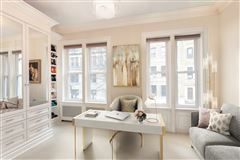 striking five-story Manhattan townhouse luxury homes
