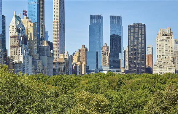 Luxury real estate full floor on fifth avenue with stunning views