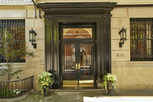 Luxury properties full floor on fifth avenue with stunning views