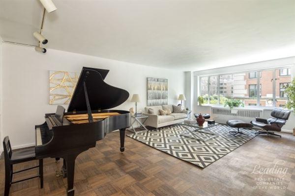 Brilliant Natural Light Pours Through This Wonderful Corner Apartment Interior Design Ideas Inamawefileorg