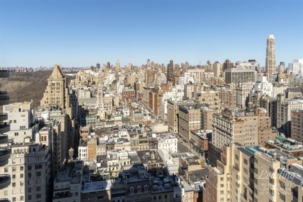 exclusive New York apartment on the 27th floor luxury real estate