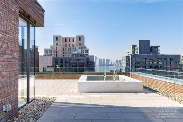 Luxury homes in landmark loft condominium