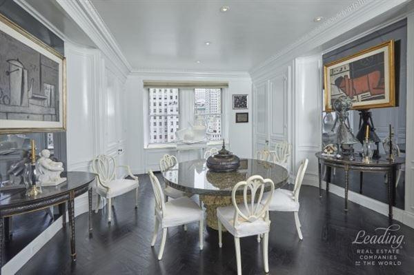 Luxury homes exquisitely detailed luxury residence