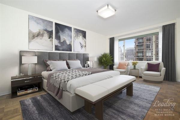 Luxury homes Beautifully Renovated Corner condominium