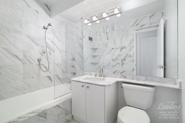 Beautifully Renovated Corner condominium luxury homes